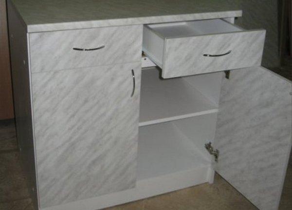 Кухонный рабочий стол